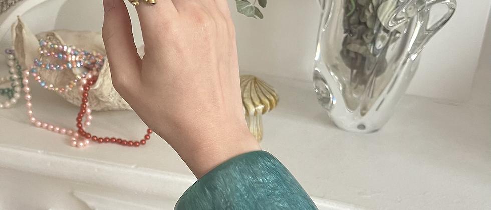 Lucite turquoise bracelet