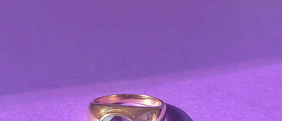 18kt gold-plated ring with a purple stone