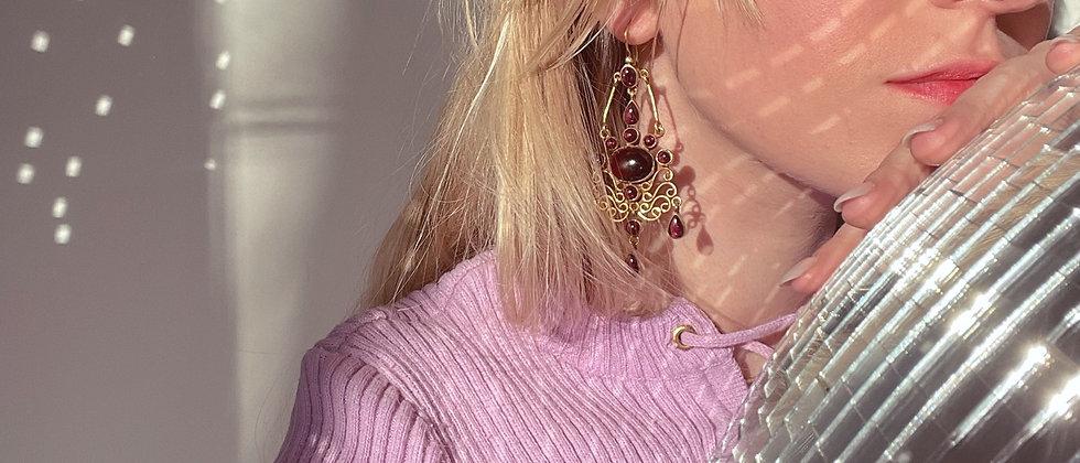 Marvelous garnet earrings