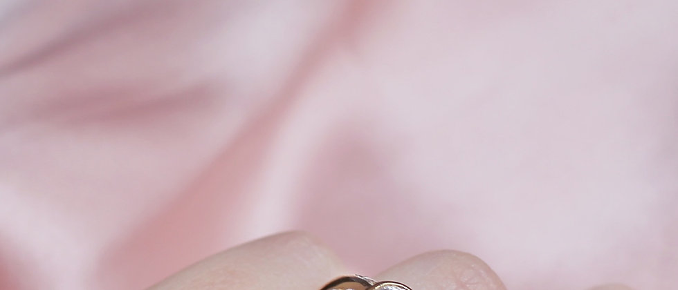 18kt gold-plated chunky shiny solitaire ring
