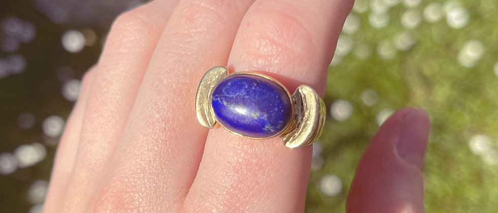 Sumptuous gold-plated silver ring with a lapis lazuli