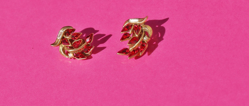 Red feather clips