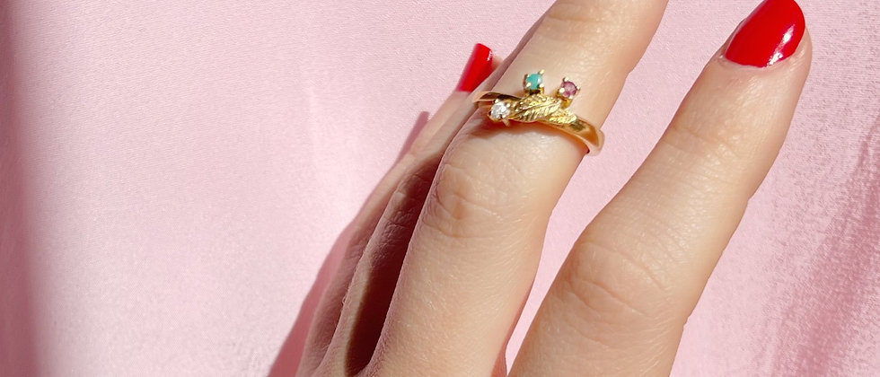 18kt gold-plated colorful ring with stones and leaves