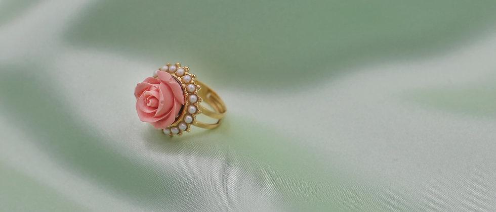 Romantic tacky rose ring
