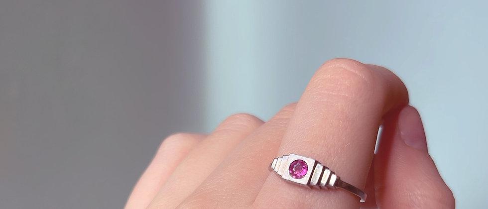 Delicat 30s ruby ring
