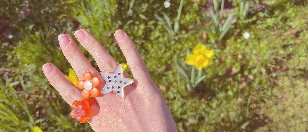 Joyful star ring