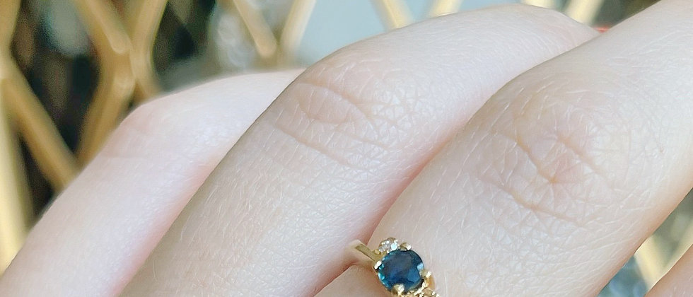 18kt gold-plated thin blue solitaire ring