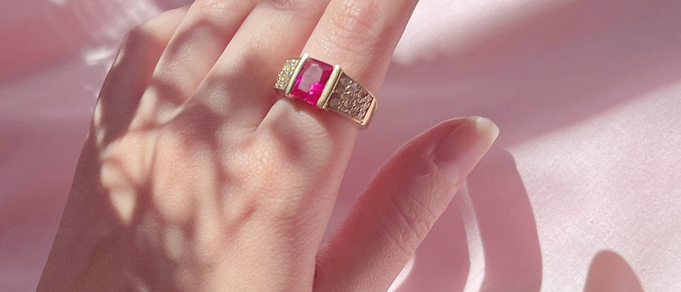 18kt gold-plated ring with a cherry stone