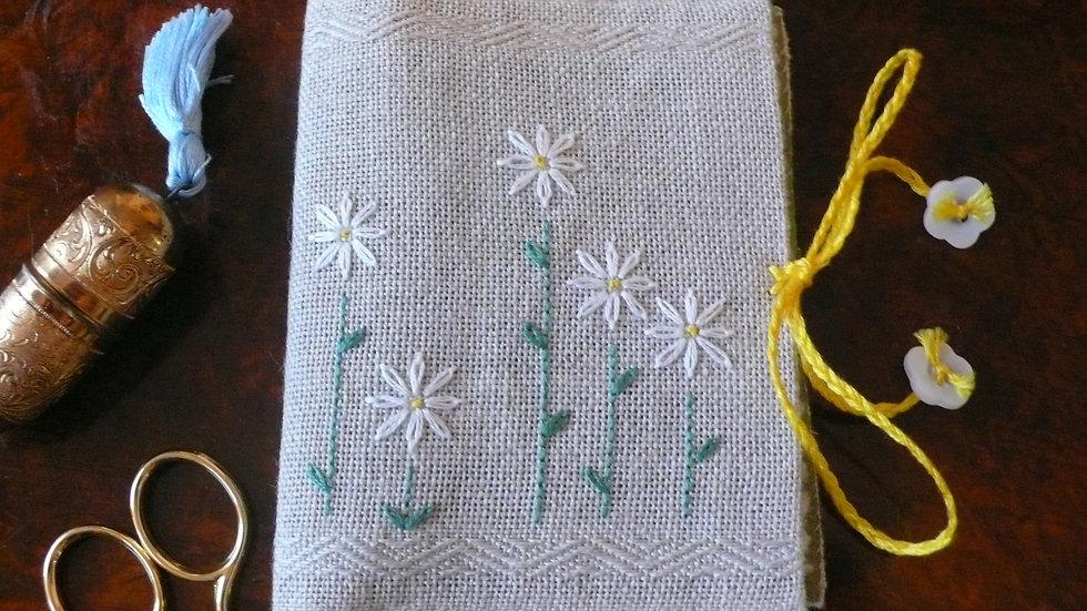 White Daisy Needlecase