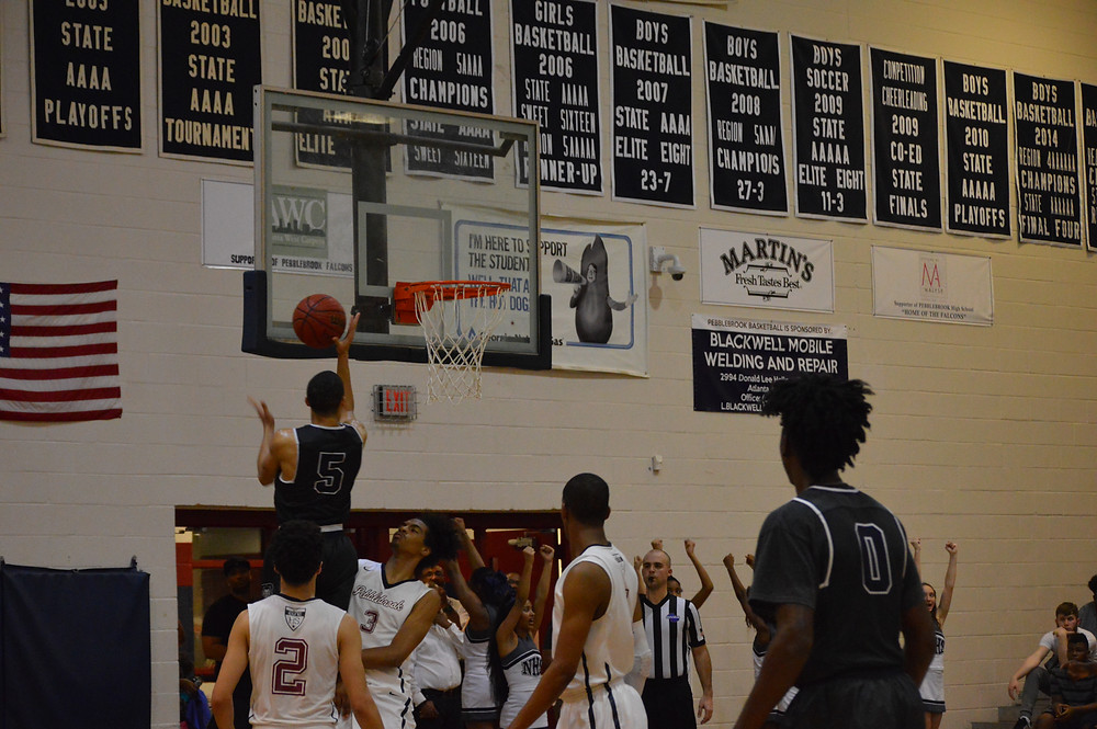 Norcross' #5 Jordan Goldwire goes up for layup