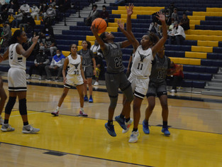 """St. Francis Opens """"She Got Game"""" Classic With 60-47 Win Over Kell"""