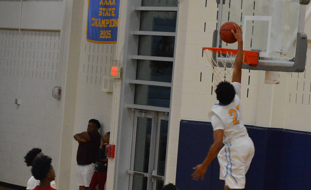 Mays slams it home for 2