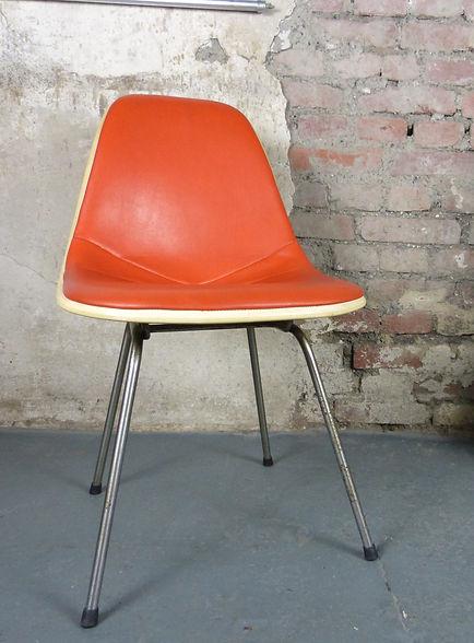 38505_DSX_Chair_von_Charles_Ray_Eames_fu