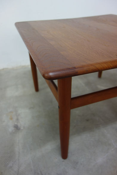 22902_Niels_Bach_Coffee_Table_Teak_Couch