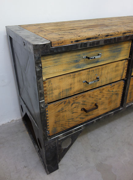 22602_Vintage_Industriedesign_Werkbank_I