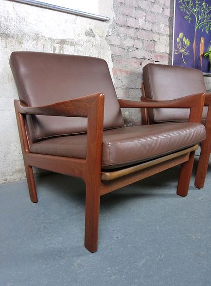 40702_Vintage_Mid_Century_Lounge_Chairs_