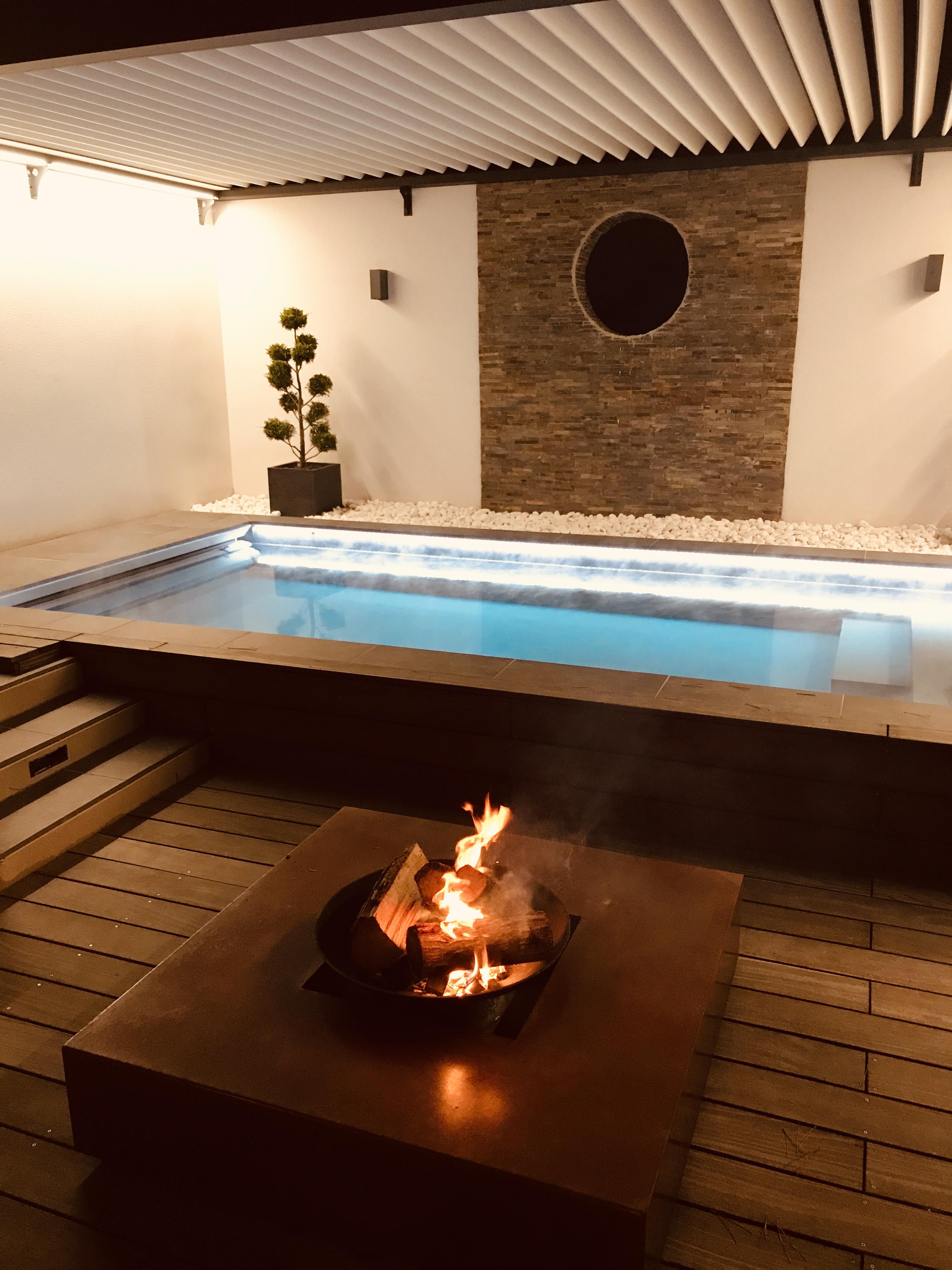 Anandita patio piscine et feu de bois