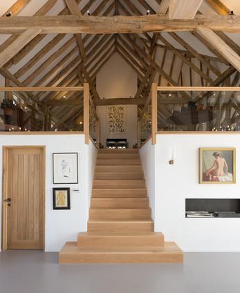 Multiturn-oak-staircase-contemporary-gla