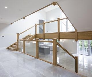 Multiturn-bespoke-quality-oak-staircase-