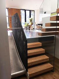 oak-treads-glass-balustrade3.jpg
