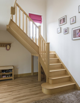 Multiturn-oak-stairs-with-bullnose-large