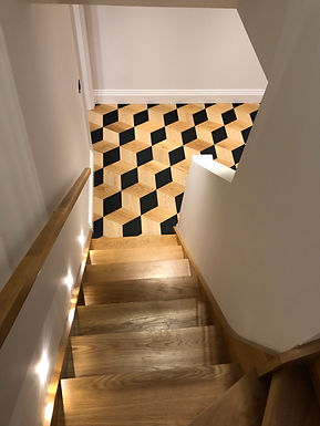 Multiturn-bespoke-solid-oak-staircase-2.
