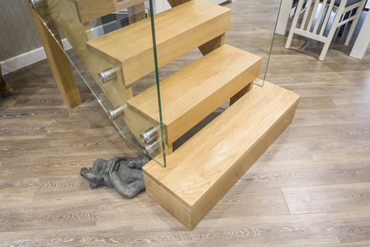 Contemporary Oak Staircase with Structural Glass