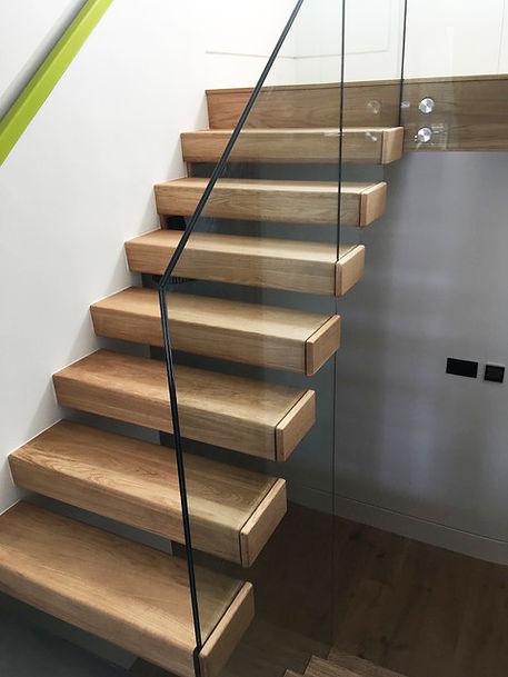 oak-treads-glass-balustrade4.jpg