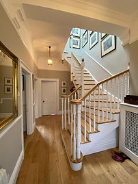 multiturn-oak-and-tulip-cut-string-stair