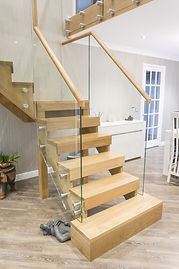 oak-stairs-with-glass-balustrade3.jpg