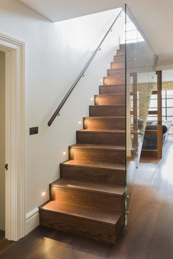 Contemporary Feature Staircase
