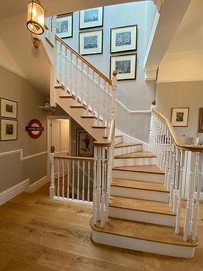 multiturn-oak-and-tulip-cut-string-stair