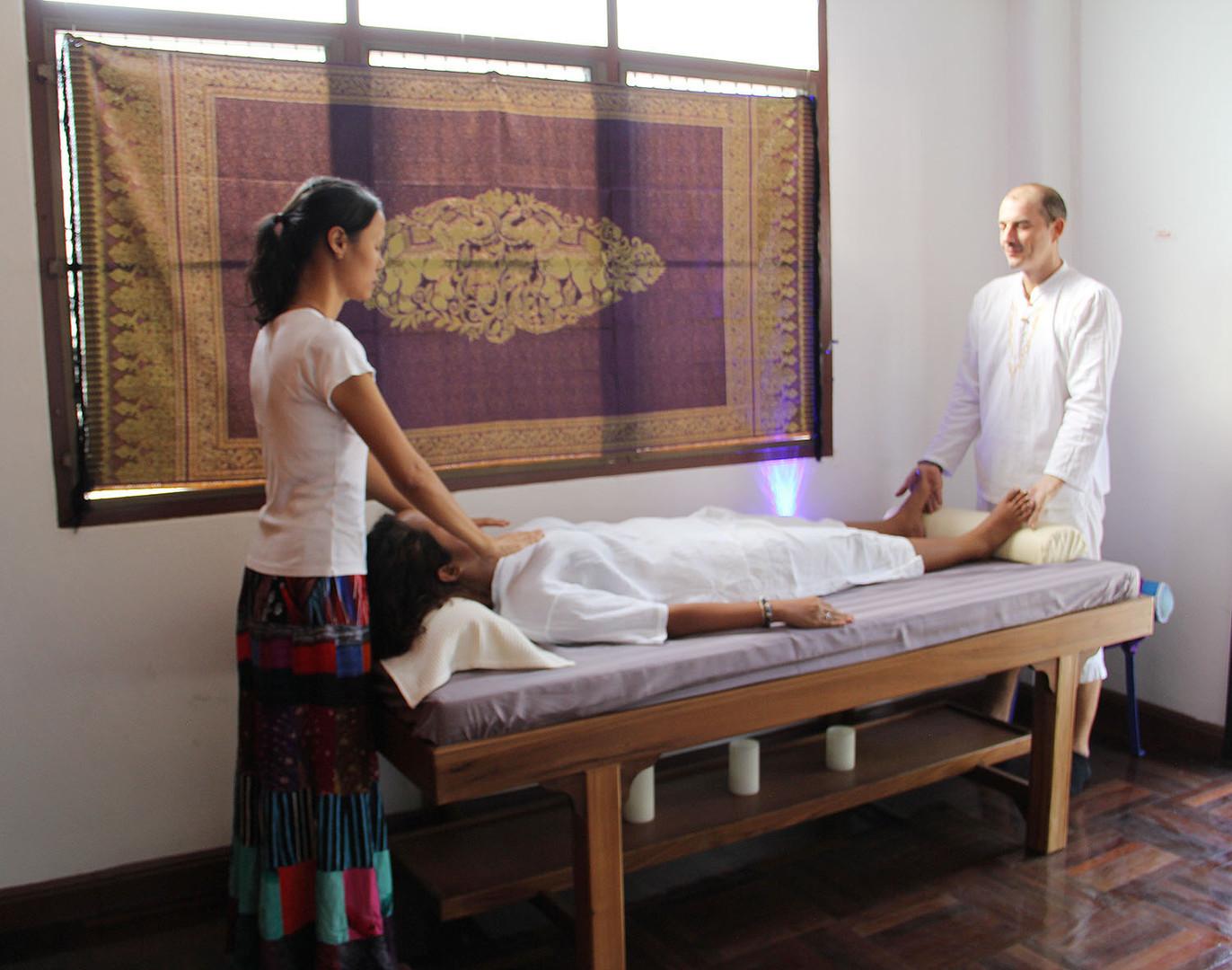 four hands reiki massage hypnok hua hin