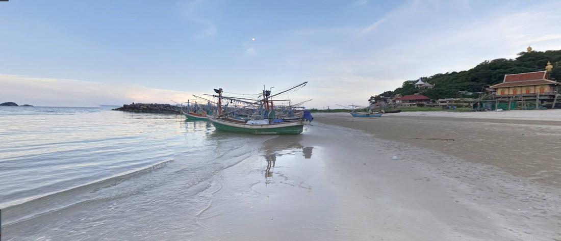Khao Tao Beach.jpg