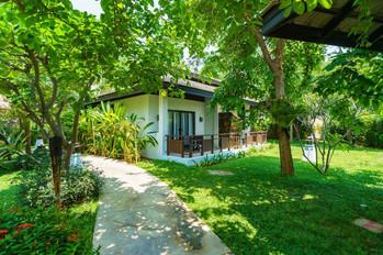 KT Villa outside 2.jpg