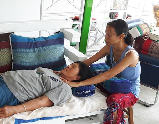 healing session reiki massage, hypnok reiki center