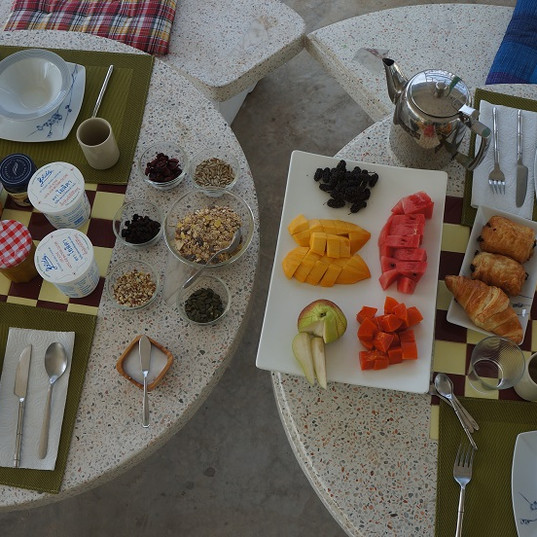 Hypnok Center breakfast