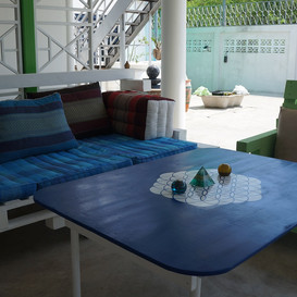 Hypnok Center Thailand living area