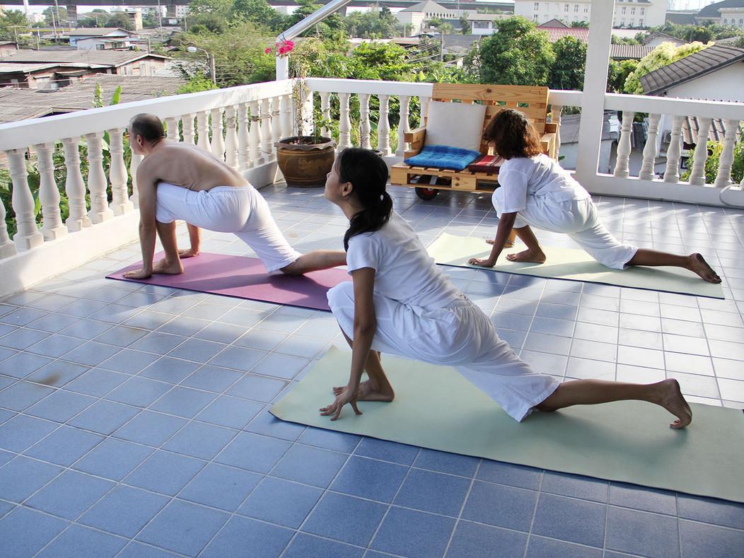 Yoga 16.jpg