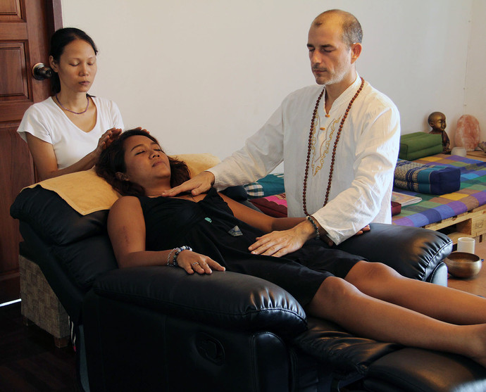 reiki massage, reiki session, hypnok center