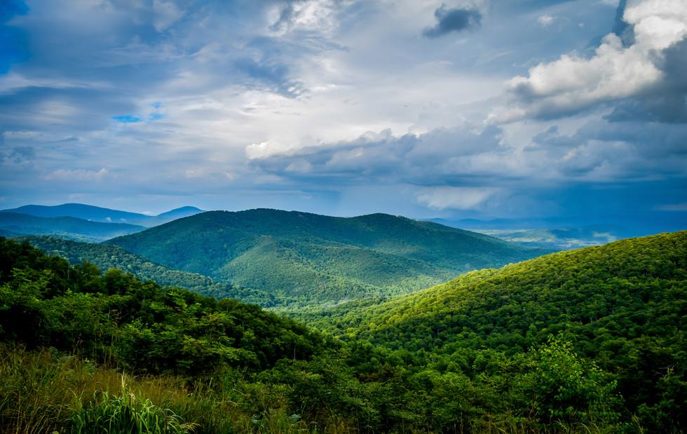Virginia Mountain Skyline.jpg