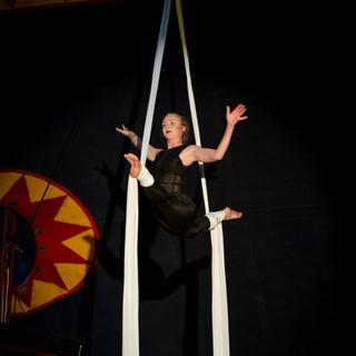 Cirkusartist i tyg