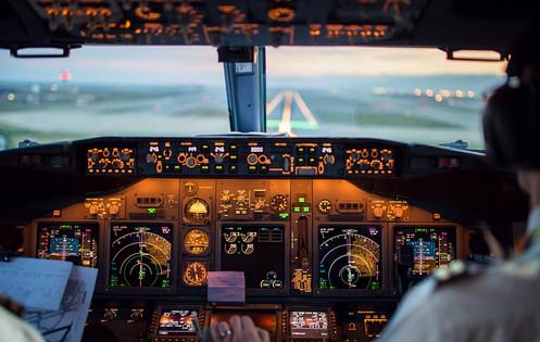 flight-deck_COCKPIT.jpg