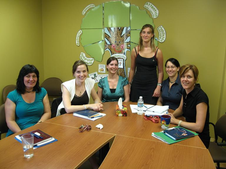 Élianne et son équipe - août 2008.jpg