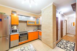 Кухня в ярких тонах