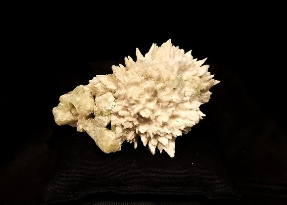 Mordenite and Apophyllite (India) MA170