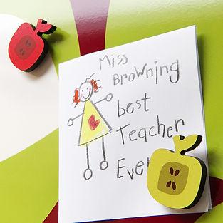 apple-fridge-magnet-on-apples-design-mag