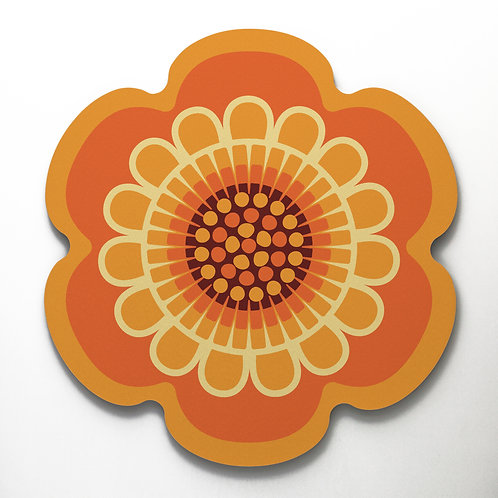 Orange flower shaped placemat in seventies retro style 'Flower Power' design