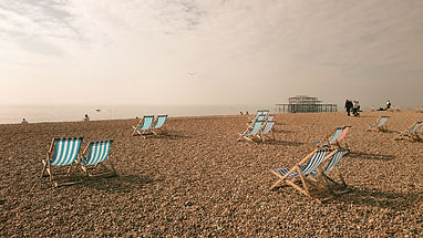 Brighton%20beach%20in%20autumn_edited.jp