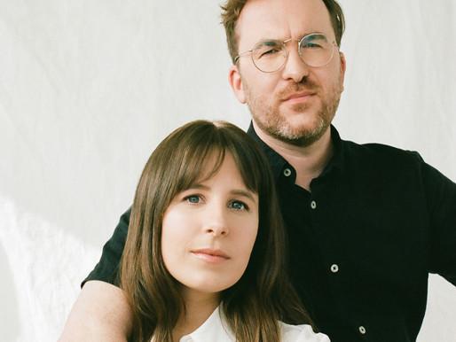 Le duo Geneviève et Alain propose « À travers mes yeux », le 1er extrait de leur 3e album